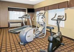 Microtel Inn and Suites by Wyndham Austin Airport - Austin - Sportcentrum
