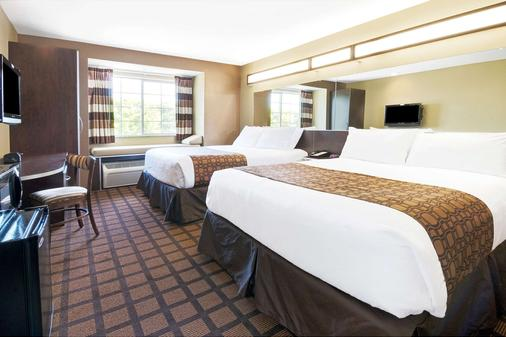 Microtel Inn and Suites by Wyndham Austin Airport - Austin - Bedroom