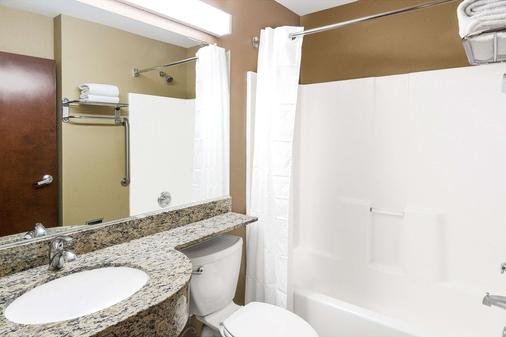 Microtel Inn and Suites by Wyndham Austin Airport - Austin - Bathroom