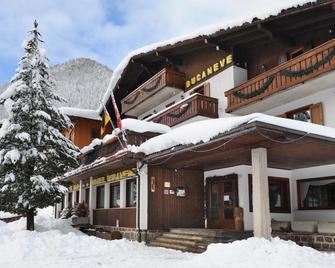 Hotel Bucaneve - Moena - Budova
