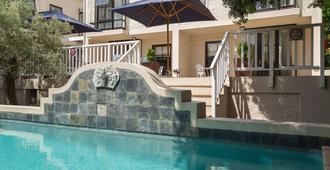 斯泰倫博斯鄉村莊園水療萬豪普羅蒂酒店 - 史鐵倫布什 - 開普敦 - 游泳池
