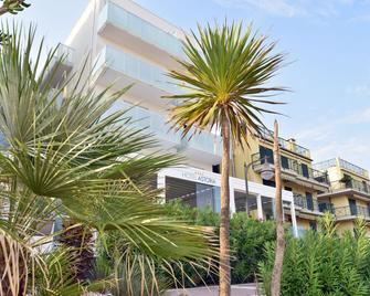 Hotel Astoria - Caorle - Toà nhà