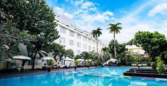沙非日惹酒店 - 日惹 - 日惹 - 游泳池