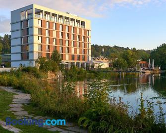 LAGO hotel & restaurant am see - Ulm - Edificio
