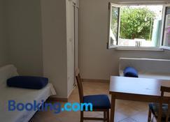 Studio Apartment Bosko - Novalja - Wohnzimmer