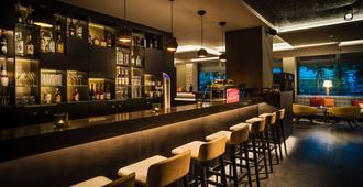 Saks Urban Design Hotel Frankfurt - Frankfurt - Bar