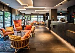 Saks Urban Design Hotel Frankfurt - Frankfurt - Aula