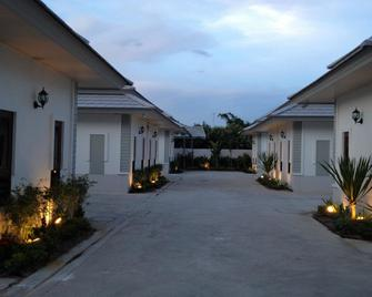 The Sixnature Resort Bangsaen - Chonburi - Outdoors view