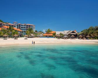 Sandals Grenada - Saint George's - Playa