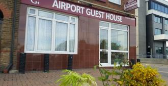 Airport Guest House - Slough - Building