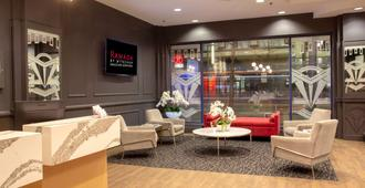 Ramada by Wyndham Vancouver Downtown - Vancouver - Area lounge