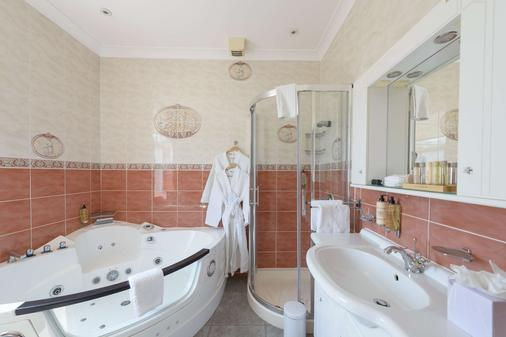 Best Western Plus The Connaught Hotel - Bournemouth - Bathroom
