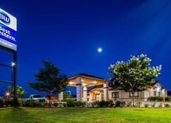 Best Western Trail Dust Inn & Suites - Sulphur Springs - Building