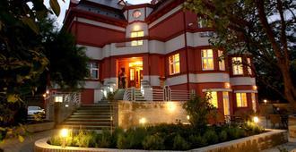 Hotel Villa - פראג - בניין