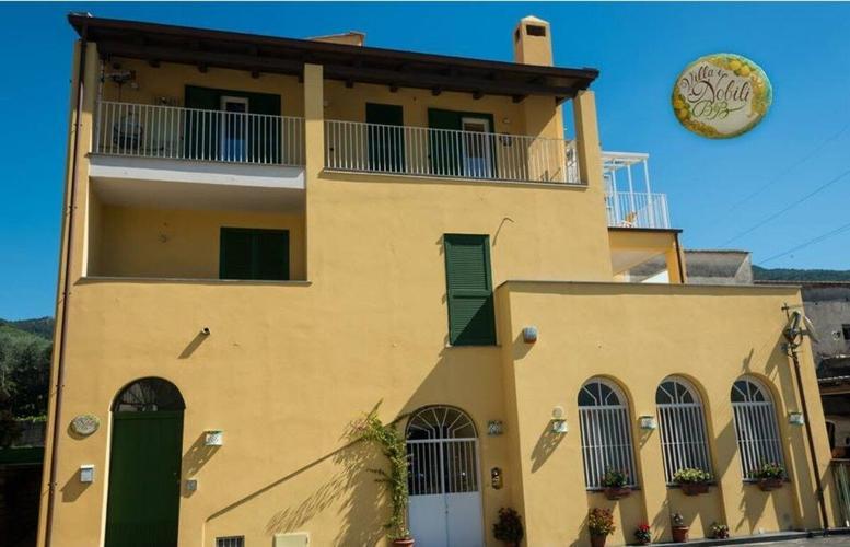 B B Villa I Nobili En 68 7 5 Cava De Tirreni Bed And