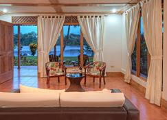 Tortuga Lodge And Gardens - Tortuguero - Living room