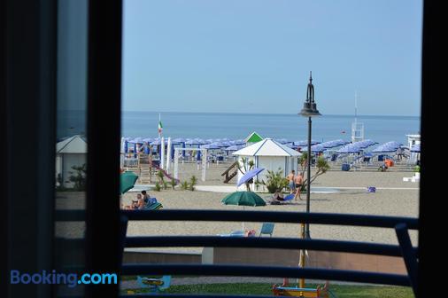 Hotel Sirenetta - Градо - Пляж
