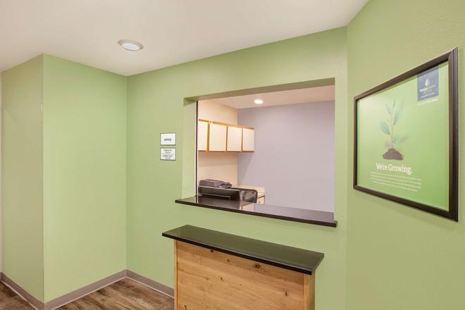 Woodspring Suites Phoenix Peoria - Peoria - Kitchen