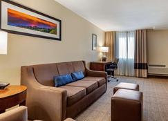 Comfort Inn and Suites Albuquerque Downtown - Albuquerque - Sala de estar