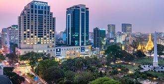 Pullman Yangon Centrepoint - Rangún - Vista del exterior