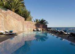 Tiara Miramar Beach Hotel & Spa - Théoule-sur-Mer - Piscina