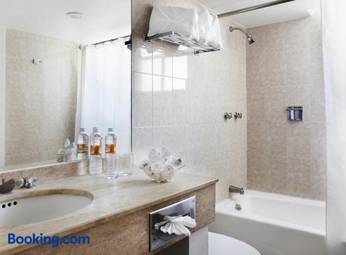 弗朗西亞阿瓜斯卡達特斯酒店 - 阿瓜斯卡連特斯 - 阿瓜斯卡連特斯州 - 浴室