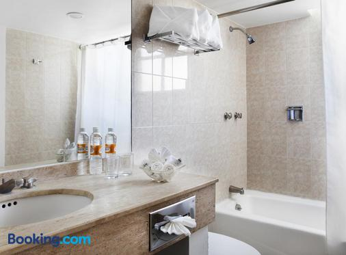 Francia Aguascalientes - Aguascalientes - Bathroom