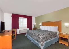 Days Inn by Wyndham West Yellowstone - West Yellowstone - Bedroom
