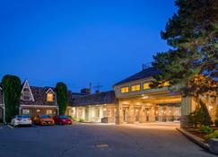 Best Western Parkway Inn & Conference Centre - Cornwall - Building