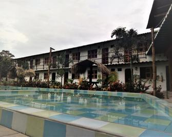 Hostal Luz De Luna & Spa - Palomino - Zwembad