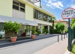 Hotel Venezia - Riva del Garda - Building