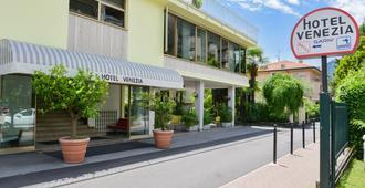 Hotel Venezia - Riva del Garda - Edifício