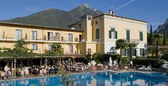 Villaggio Albergo Hotel Antico Monastero - Toscolano Maderno - Edificio