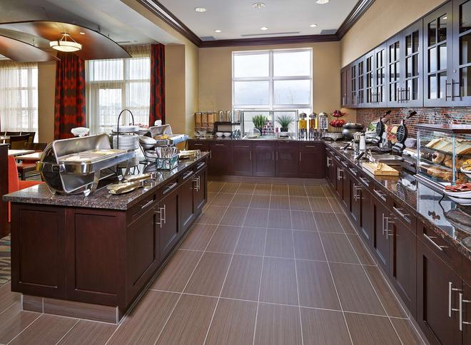 Homewood Suites by Hilton Calgary-Airport - Calgary - Buffet