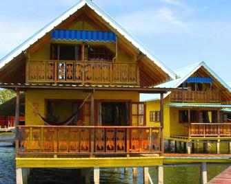 Koko Acqua Lodge - Bocas del Toro - Building