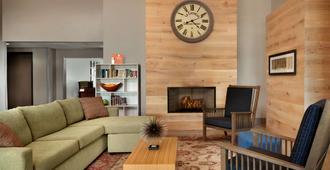 Country Inn & Suites by Radisson Louisville East - Louisville - Sala de estar