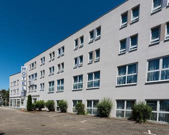 Hotel Newton Karlsruhe - Karlsruhe - Building