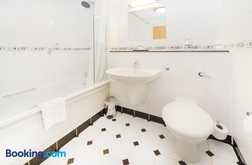 Worcester Whitehouse - Worcester - Bathroom