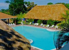 Hotel Las Hamacas - La Ceiba - Piscina