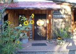 Silver River Adobe Inn - Farmington - Pemandangan luar