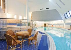 Azimut Hotel Olympic Moscow - Moscow - Pool