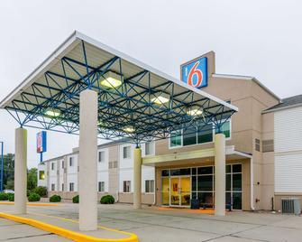 Motel 6 Kearney - Kearney - Edificio