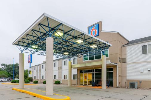 Motel 6 Kearney - Kearney - Toà nhà
