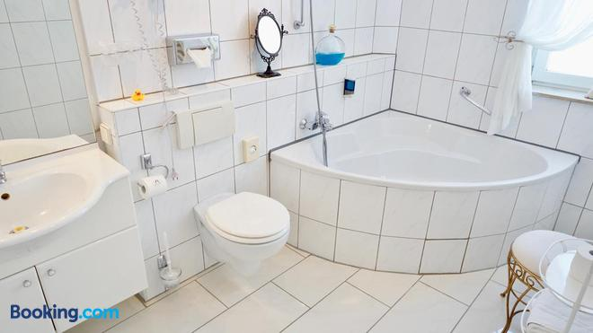 Hotel Alpha - Hannover - Bathroom