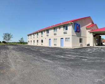 Motel 6 Gilman - Gilman - Building
