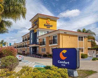 Comfort Inn - Castro Valley - Building