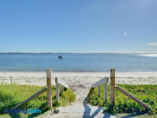 Dutchies Motel Nelson Bay - Nelson Bay - Beach