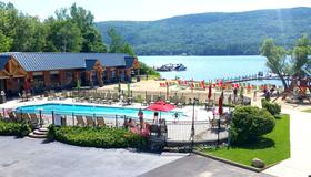 Scotty's Lakeside Resort - Lake George - Building