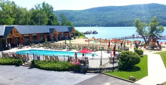 Scotty's Lakeside Resort - Lake George - Rakennus