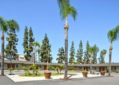 Americas Best Value Inn & Suites San Bernardino - San Bernardino - Building